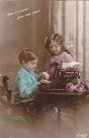 Enfants - Métiers - Machine à écrire - Correspondance Villa Des Pensées à Audresselle Ambleteuse - Groupes D'enfants & Familles