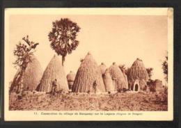 Tchad - Case obus du village de Bangadgi sur la Logone