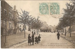 CPA 28 - CHANTENAY SUR LOIRE - Place Du Rebondu Et Boulevard De La Liberté - France