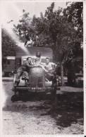 WW 2 . ANCIENNE PHOTOGRAPHIE ARGENTIQUE. CAMION  MILITAIRE. VEHICULE . POIDS-LOURDS. LIBERATION DE LA FRANCE PAR LES GI. - War, Military