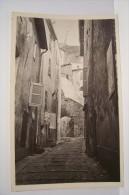BRIGNOLES  --- Les Remparts  -  Les Escaliers Blancs ) - Brignoles