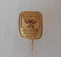 1985. DAVIS CUP Tennis Match YUGOSLAVIA V AUSTRALIA ... Vintage Pin Badge ( Gold Plated ) * Tenis Sport Abzeich Spilla - Tennis