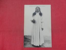 AFRIQUE ORIENTALE -- FEMME D'AMBOSITRA       Ref 1356 - Madagascar