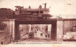 ¤¤  -   17   -   BRESSUIRE   -  La Route De Nantes Et Le Pont Du Chemin De Fer   -  ¤¤ - Bressuire