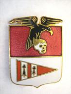ANCIEN INSIGNE EMAILLE ARMEE DE L�AIR ESCADRON DE CHASSE 02 / 011 VOSGES BON ETAT GENERAL (AUGIS) 647