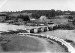 CPSM  -  Environs De  LA  FORET - AUVRAY  (61)  Pont De Sainte - Croix - France