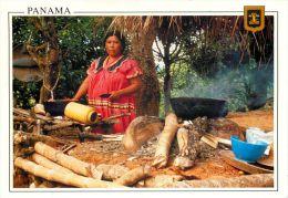 Ngobe Bugle Indians In Their Kitchen, Panama Postcard Used Posted To UK 2004 Usa Meter Ema Freistempel - Panama