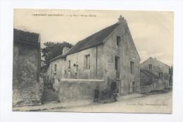 Fontenay-en-Parisis.  La Cour Notre-Dame. - France