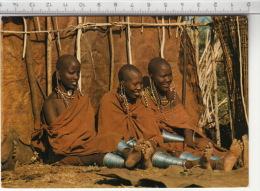 Jeunes Filles Masai, Devant Leur Hutte - Masai Girls, Outside The Hut - Kenya