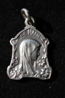 """Pendentif Médaille Religieuse """"Notre-Dame De Lourdes"""" - Religious Medal - Godsdienst & Esoterisme"""