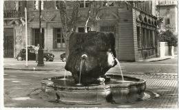 Aix En Provence 9029 Fontaine Thermale Sur Le Cours  Edit Glatigny Traction Citroen Vers 1960 - Aix En Provence