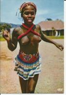 AFRIQUE envoy�e du TCHAD FEMME AUX SEINS NUS