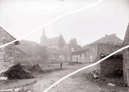 ARDENNES FRANCAISE OU BELGES VILLAGE  A SITUER   1880 TIRAGE D APRES PLAQUE PHOTO UNIQUE SUR DELCAMPE - Riproduzioni