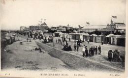 Cpa  MALO LES BAINS, La Digue, Malgré  La Température, Nombreux Promeneurs,  (39.61) - Malo Les Bains