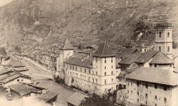 Cpa Savoie, MOUTIERS, Vue Générale Sur Les Maisons Au Bord Du Fleuve    (39.64) - Moutiers