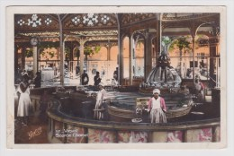 VICHY - N° 117 - SOURCE CHOMEL AVEC PERSONNAGES -  FORMAT CPA - Vichy
