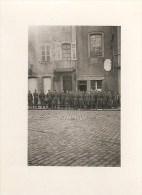 WW2 PHOTO ORIGINALE Rare ! Soldats Allemands Place Mairie PARAY LE MONIAL SAONE ET LOIRE 71 BOURGOGNE - 1939-45