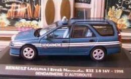 RENAULT LAGUNA I BREAK NEVADA RXE 16V 1998 GENDARMERIE UNIVERSAL HOBBIES 1/43 - Voitures, Camions, Bus