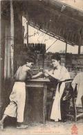 Annam - Vinh - Femme Fumant La Pipe - Vietnam
