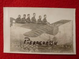 MILITAIRES 96è REGIMENT CARTE PHOTO MONTAGE AVION - Regimenten