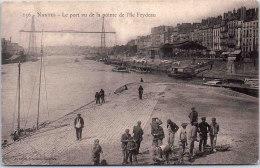 44 NANTES - Le Port Depuis La Pointe Feydeau - Nantes