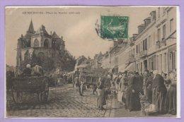 27 - Le NEUBOURG -- Place Du Marché ( Côté Est ) - Le Neubourg