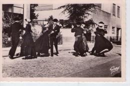 Folklore De Vendée.. Animée.. Les Danseurs Du Marais Vendéen.. Danse Maraîchine - Francia