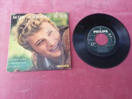 DISQUE 45 T Vinyle JOHNNY HALLYDAY  Mon Anneau D'or ( Photo J M PERIER ) Ne Joue Pas Ce Jeu Là  Ne Pleure Pas - Rock