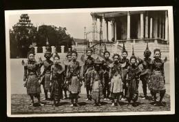 CPA INDOCHINE CAMBODGE PHNOM PENH Groupe De Danseuses , Animée - Cambodge