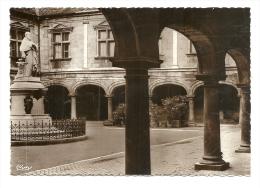 Cp, 25, Besançon-les-Bains, Palais Granvelle - Besancon