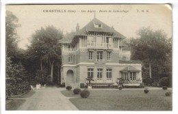 2 CPSM CHANTILLY (Oise) - Les Aiglrs Route De Lamorlaye Et Chateau : Fontaine De La Cour Du Chatelet - Chantilly