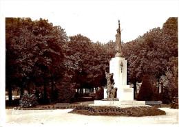 Fourmies. Le Square Et Le Monument De Fourmies. - Fourmies