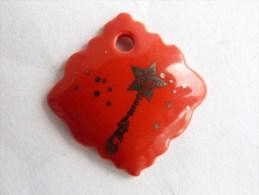 FEVE PUBLICITAIRE DALLOYAU - baguette magique sur fond rouge 5 2013