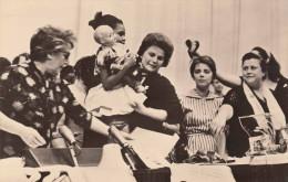 Die Erste KOSMONAUTIN Valentina Tereschkowa Auf Dem Weltkongress Der Frauen In Moskau 1963, Fotokarte - Berühmt Frauen