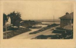 """44 - Chez """"Ma Tante"""" - L'arrivée à PORT-GIRAUD - Littoral Poissonneux - La-Plaine-sur-Mer"""