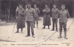CPA - Militaire - Militaria - Régiment Poste D'infanterie Anglaise - Britich Infantry Station - Personen