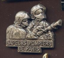 """  Sapeurs Pompiers De PARIS Lance. ""  Métal   Vert Pg15 - Brandweerman"