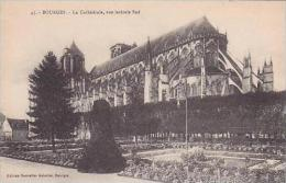 France Bourges La Cathedrale vue laterale Sud