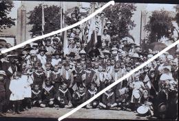 ENFANTS AUX DRAPEAUX AMERICAINS EN 1919 CP PHOTO