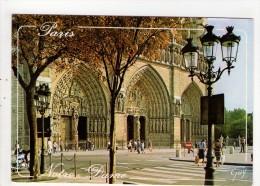 CP  10*15/G998/NOTRE DAME DE PARIS  PLACE DU PARVIS 1993 - Notre Dame De Paris