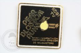 Pear Blossom Run - Mini Marathon Medford, Oregon - 20 Kilometers - Pin Badge #PLS - Atletismo