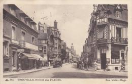 Trouville Reine Des Plages Rue Victor Hugo - Trouville