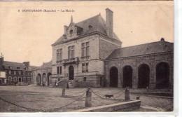 Pontorson.. Animée.. Belle Vue De La Mairie - Pontorson