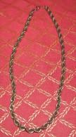 1 Collier    Fantaisie - Colliers/Chaînes
