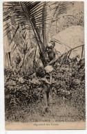 NOUVELLE CALEDONIE - ENFANTS CANAQUES DEGUSTANT DES COCOS - New Caledonia