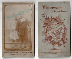 Photo Cdv De Deux Enfants, Fillette Et Petit Garçon, Photographie Universitaire L. Garnier, Nogent-sur-Marne - Anciennes (Av. 1900)