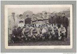 Photographie Originale : FOOTBALL - équipe ERQUELINNES Mars 1964 - Champions Saison 1963-1964 / Thuin - Erquelinnes