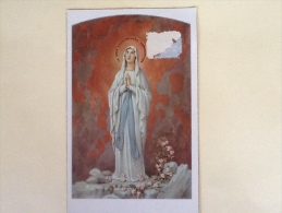 CARTOLINA VERGINE MARIA PROVENIENTE DA LOURDES DEL 1962  VIAGGIATA L - Vergine Maria E Madonne