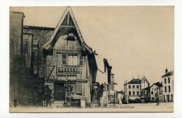 CP , 42 , ROANNE , Vieille Maison Et Place Du Château - Roanne