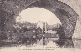 Cp , 79 , PARTHENAY , Le Thouet Sous Le Pont-Neuf - Parthenay